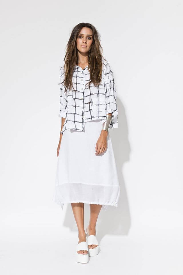 Let Banana Republic's collection of women's clothes dress you in the latest fashions for the entire year. Shop a quality, stylish assortment of women's clothing.